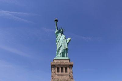 象徴 例 自由の女神像