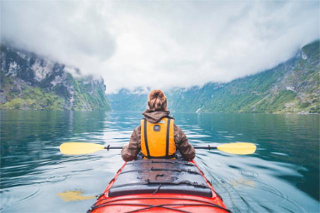 舟を漕ぐ 意味 語源 由来 例文 使い方 類語 英語
